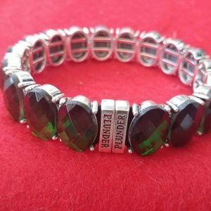 Plunder green stone silver bracelet.